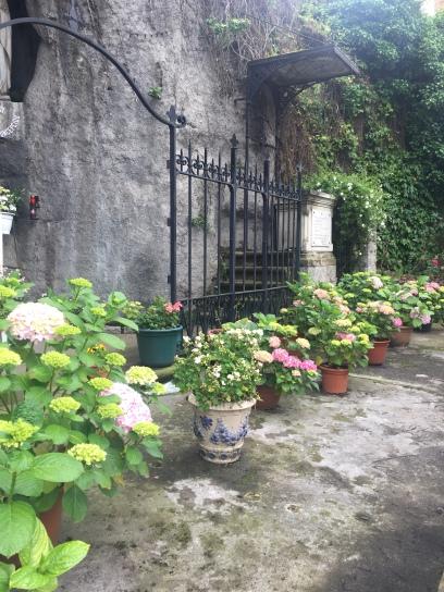 Garden outside of the church in Algorta