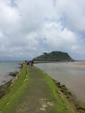 Walking to La Isla